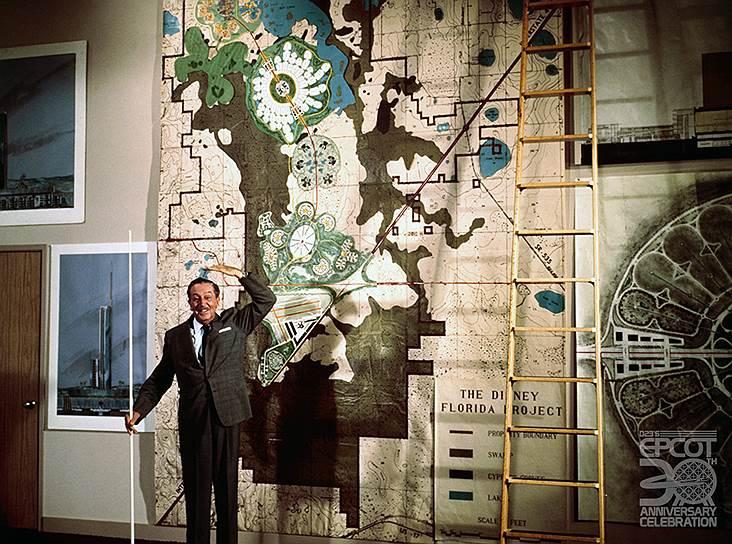 Уолт Дисней демонстрирует план своего города