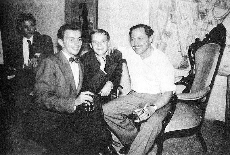 Слева направо: Гор Видал, Трумен Капоте и Теннесси Уильямс, конец 1940-х