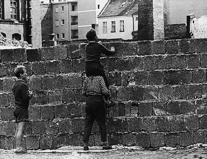 Берлинская стена в районе Веддинг, Западный Берлин, 23августа 1961