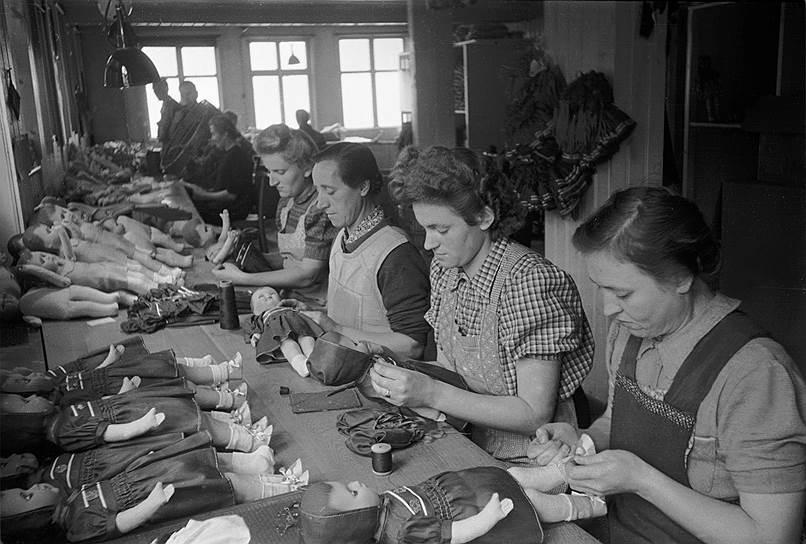 Кукольная фабрика в Зоннеберге, ГДР, 1950