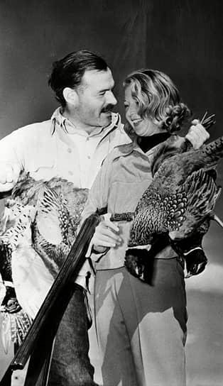 С третьей женой Мартой Геллхорн и мертвыми фазанами после охоты в Сан-Валли, 1940