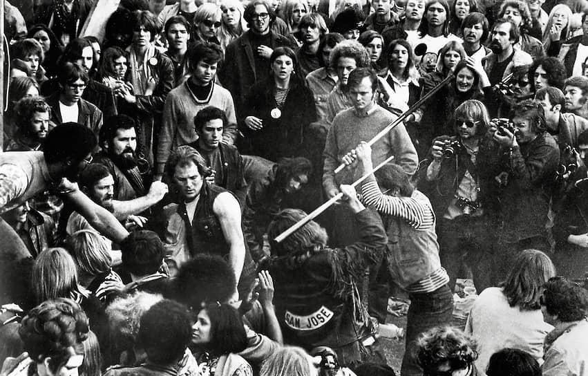 Драка байкеров из «Ангелов ада» и посетителей фестиваля в Алтамонте, 1969