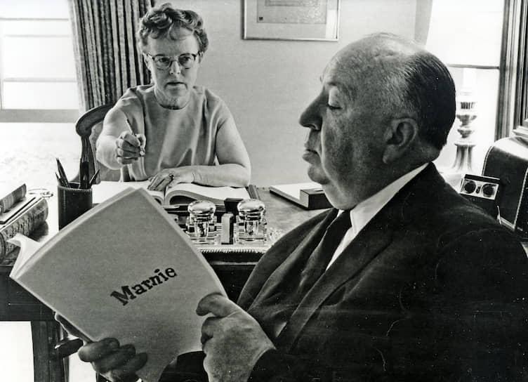 С Альмой Ревиль во время съемок «Марни», 1964