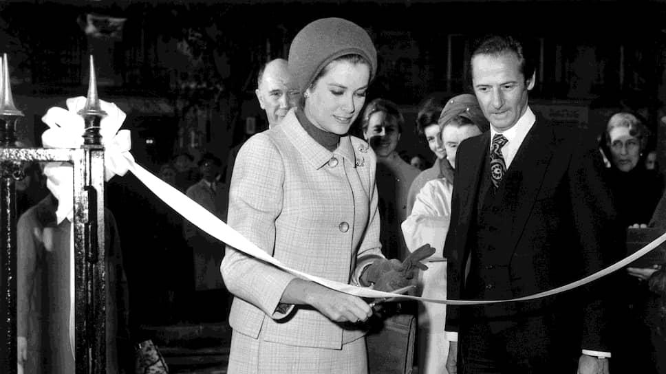 Грейс Келли на открытии бутика Baby Dior в Париже, 1967