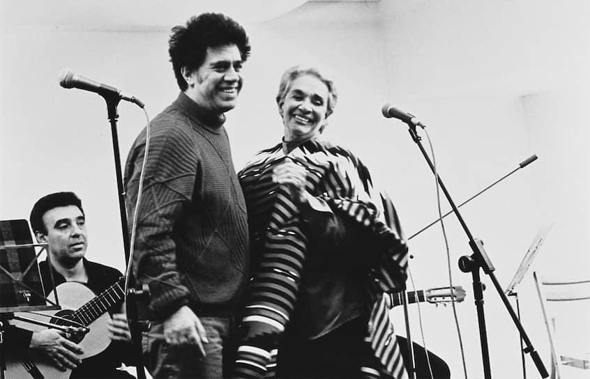 Педро Альмодовар и Чавела Варгас, 1993