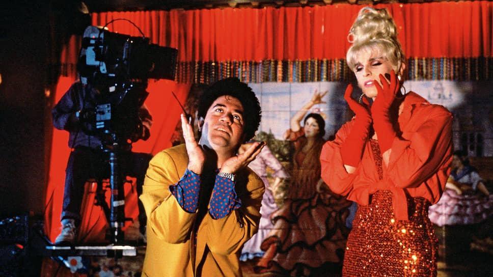 Педро Альмодовар и Мигель Бозе на съемках «Высоких каблуков», 1991