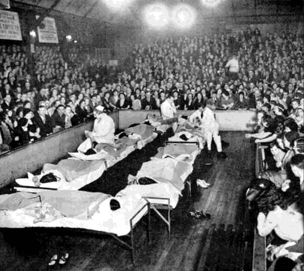 Зона отдыха на танцевальном марафоне, 1934