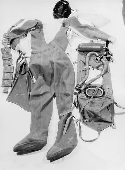 Костюм для подводного плаванья Инго Крюгера, оперативная съемка МГБ ГДР, 11декабря 1961