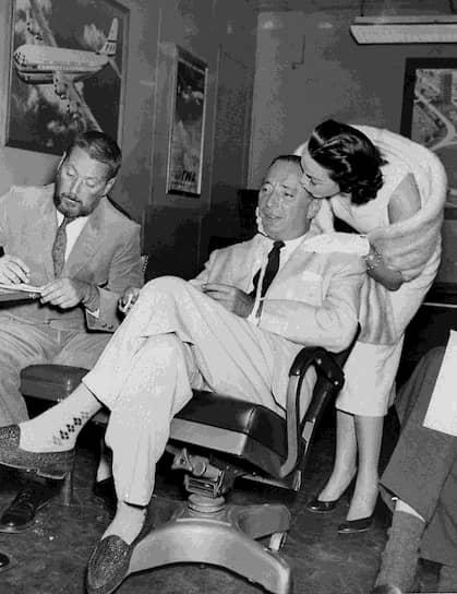 Роберт Харрисон с женой, 1956