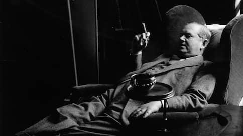 «Сплю два раза в сутки, ем двойной завтрак и моюсь, вот и все»  / Пушкин, Маяковский, Ивлин Во и другиео жизни в (само)изоляции