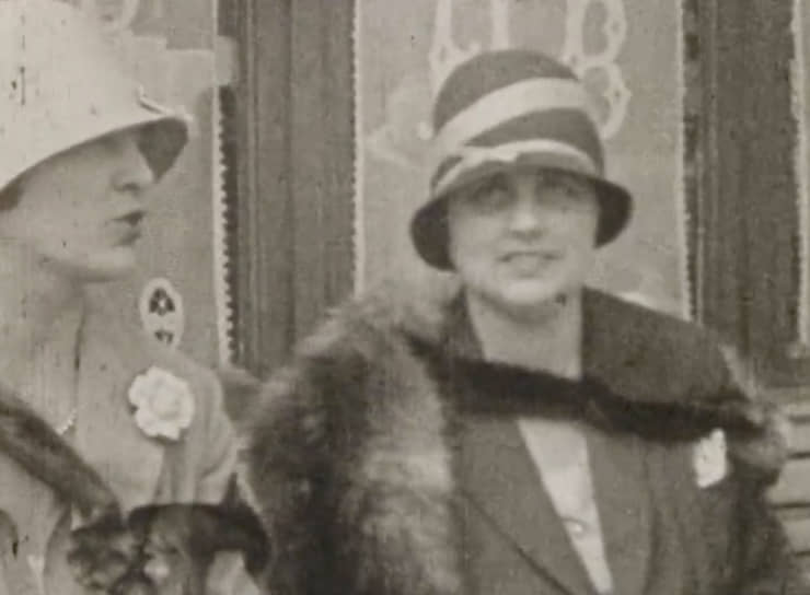 «Семья Ниво», 1930