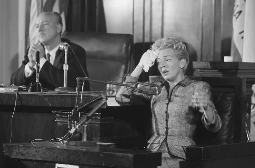 Лана Тёрнер в зале суда, 1958