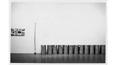 Информационная бомба замедленного действия  / Анна Толстова о выставке, впустившей институциональную критику в музей