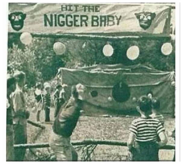 Павильон для игры в «Hit The Nigger Baby» в детском летнем лагере в Висконсине, 1942