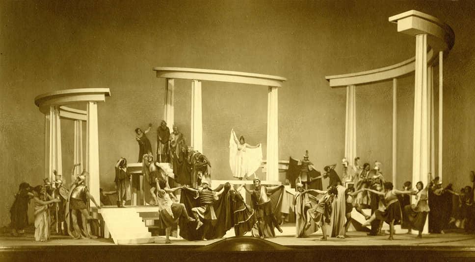 «Лисистрата» в Музыкальной студии Художественного театра, 1923. Художественное оформление Исаака Рабиновича. Музей МХАТ