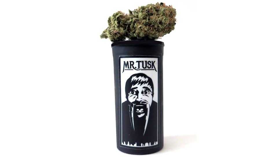 Медицинская марихуана, выпущенная к премьере фильма «Бивень»