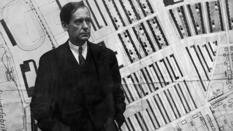 Вальтер Гропиус, 1930