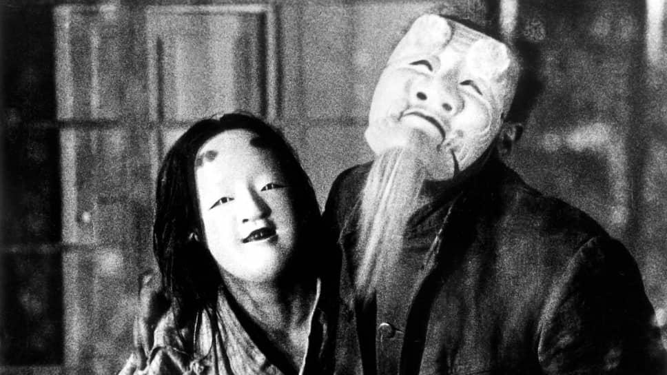 «Страница безумия». Режиссер Тэйносукэ Кинугасы, 1926