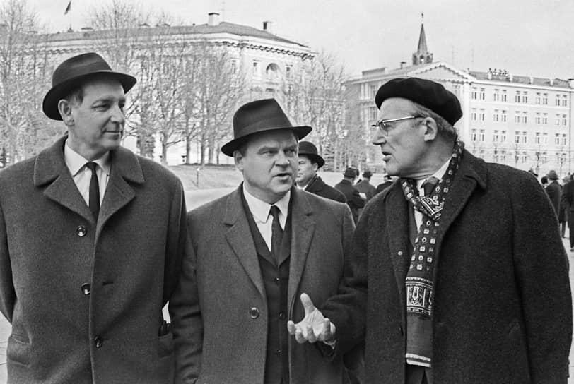 Всеволод Кочетов, Тихон Хренников и Вадим Кожевников (слева направо), 1971