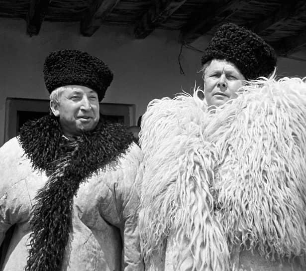 Расул Гамзатов и Александр Твардовский, 1967