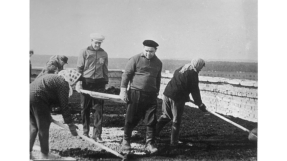 Борис Ельцин и Яков Рябов немало лет проработали в одной упряжке (фото 1975 года)