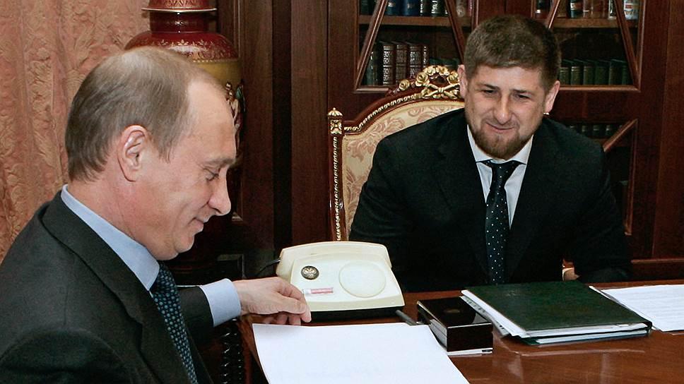 «Если мы хотим, чтобы у нас была великая держава Россия, то должен быть президент Путин. Почему в Казахстане пожизненно можно быть президентом? Или в Туркменистане? Почему в России не может такого быть?»