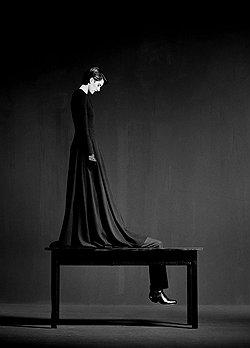 Я использую тело как стул и стол