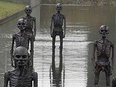Для придания климатическому саммиту в Копенгагене надлежащей температуры перед залом заседаний выстроился скульптурный почетный караул