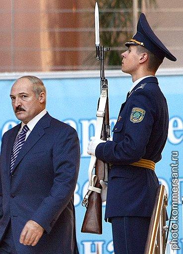 Александр Лукашенко с неудовольствием обнаружил, что после начала работы таможенного союза Россия не более готова стоять на страже белорусских нефтяных интересов, чем до