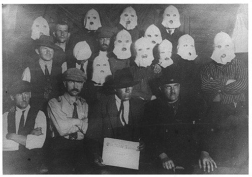 """«Из наших, по известному шутливому выражению, """"внутренних врагов"""" первый — Коминтерн (на фото — члены Коминтерна, прибывшие в Россию на конгресс 1920 года). С 1929 г. положение стало совершенно невыносимым, это смерть внешней политики»"""