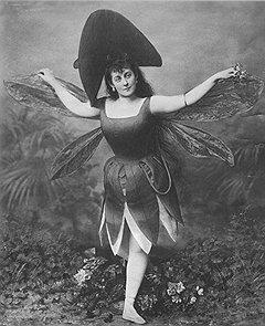 Балет императорского Мариинского театра притягивал многочисленных поклонников пышностью формы