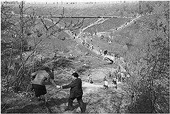 Андрей Безукладников. «День поминовения. Егошихинское кладбище. Пермь», 1984