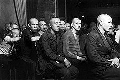 С середины 30-х годов несовершеннолетие перестало быть для подсудимых  гарантией от высшей меры социальной защиты
