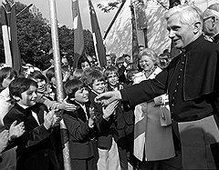 Папе Бенедикту XVI припомнили грехи архиепископа Йозефа Ратцингера (на фото)