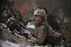 За пять лет, разделяющие события в двух «Утомленных солнцем», героиня Надежды Михалковой стала старше на все четырнадцать