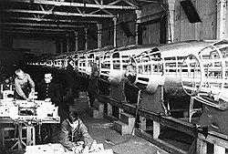 Ни возраст, ни суровость мер по укреплению трудовой дисциплины не останавливали тех, кто стремился на заводы за рабочим пайком