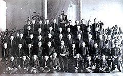 Гимназии и уездные школы отличались содержанием образования не меньше, чем формой одежды