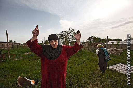 Жительница села Кара-Тюбе Патимат, обвиняемая в пособничестве бандитам, уверена, что ее и ее детей преследуют за веру