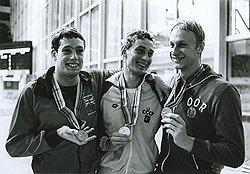 Немногочисленные спортсмены из западных стран (слева) почти без сопротивления дали показать все преимущества социалистического спорта (в центре и справа)