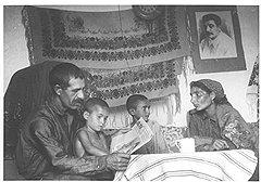 Благодаря печатной пропаганде многие советские колхозники жили в мире иллюзий, где столица была окружена ореолом роскоши