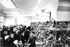Хотя прилавки московских магазинов и не пустовали, приобрести нужную обувь и одежду без блата было невозможно