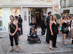 В июле Авиньон наполняется театром во всех его проявлениях