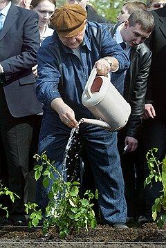 Если Юрий Лужков и Дмитрий Медведев хотя бы пытались изобразить заботу об экологии, то Сергей Собянин пока не замечен даже в этом