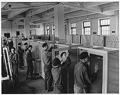 Четырехчасовой рабочий день оставлял малолетним правонарушителям достаточно времени на учебу, перевоспитание или новые преступления