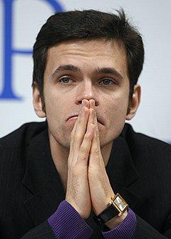 Илья Яшин сумел, хоть и ненадолго, напугать Библией милиционера