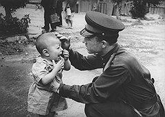 Сотрудники МВД защищали детей, но только до тех пор, пока те не оказывались за решеткой