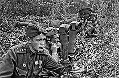 Из-за скоротечности фронтовой жизни для боевых офицеров установили кратчайшие сроки выслуги в звании