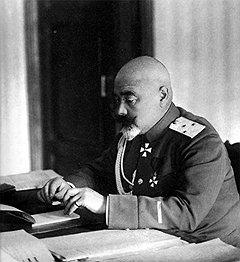 Гильчевский считал, что заслужил пенсию у красных хотя бы тем, что не оказался у белых в войсках Деникина (на фото)