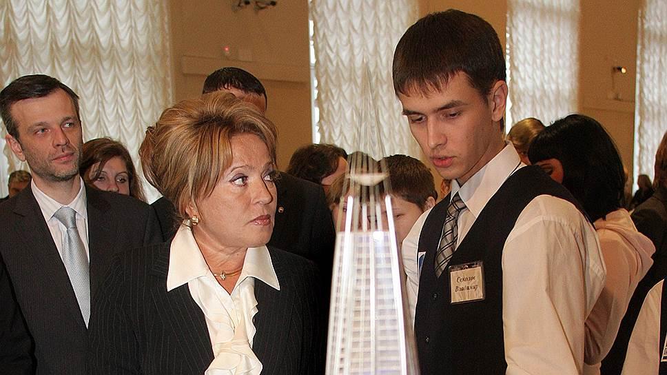 Валентина Матвиенко запомнится петербуржцам своим башнестроительством