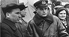Нарком Ширшов (справа) предложил ввести персональную ответственность за каждое потерянное транспортное судно